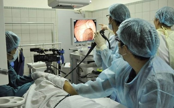 Vietnam has begun implementing gene and immune cell therapies, with the goal of tailoring cancer treatments to individual patients (Illustrative photo: suckhoedoisong.vn)