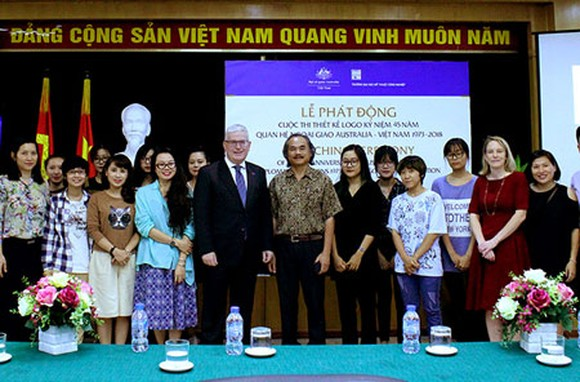 At the launching ceremony (Photo: Courtesy of Australian Embassy)