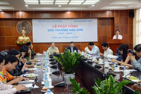A press conference on the award is held by the Ministry of Education and Training and Bao Son Corporation (Photo: SGGP)