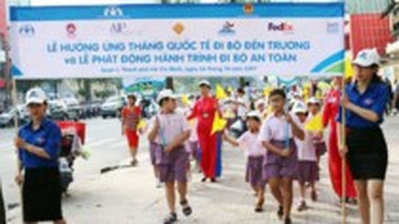 """Int'l Walk to School Month"" launched"