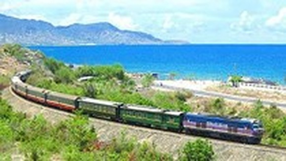 Railway company auctions transport fee through website
