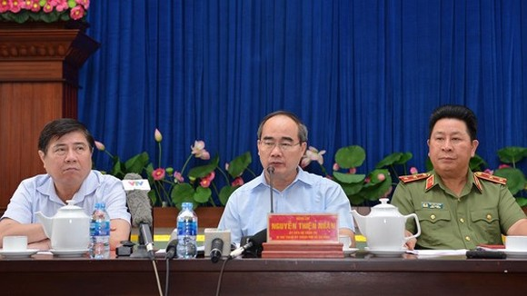 HCMC Party Chief Nhan directs to review firefighting task in condominium
