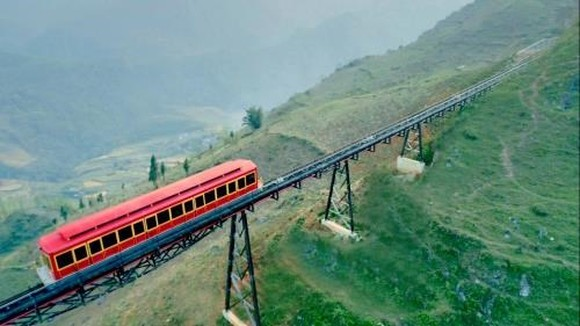Muong Hoa, Vietnam's longest mountain rail route developed by Sun Group, opens on March 31 (Photo: reatimes.vn)
