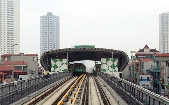 The Cat Linh-Ha Dong elevated train is expected to be put into trial operation in August (Photo: VNA)