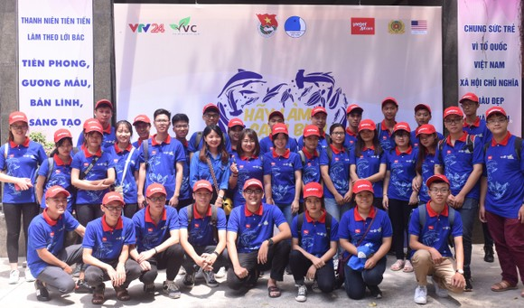 Young people participate in the campaign (Photo: Courtesy of Vietjet)