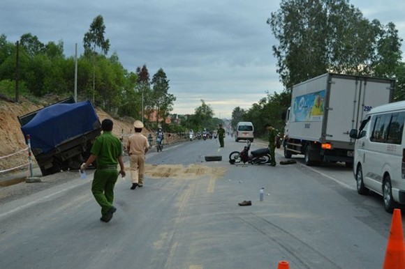 Quang Ngai determined to clear road accident blackspots
