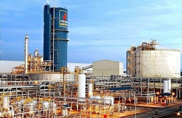 To ensure efficient divestment, PetroVietnam is working on a number of plans, including consolidating the two companies. (Photo: vietnamfinance.vn)