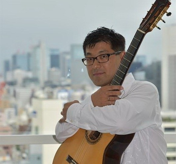 """Tamonori Arai of Japan will perform at the concert """"The Magic of Guitar"""" during the Saigon International Guitar Festival at the HCM City Conservatory of Music from October 31 to November 4 (Photo courtesy of the organisers)"""