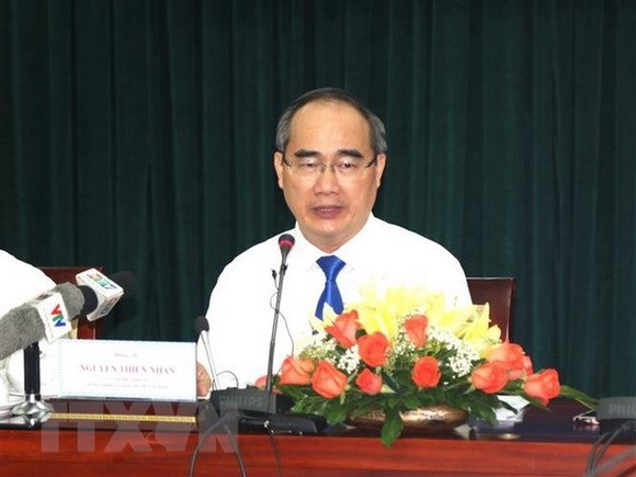Secretary of the municipal Party Committee Nguyen Thien Nhan at the meeting with the press (Photo: VNA)