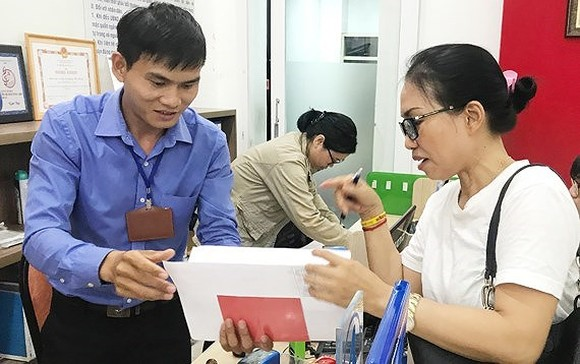 Good qualified graduates to be directly employed in ward public offices in HCMC