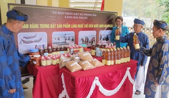 Village in central province certified with fish sauce handicraft village