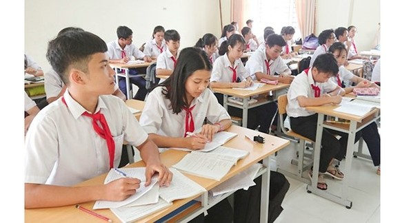 Students of Vo Thi Sau High School in Con Dao Island (Photo: SGGP)