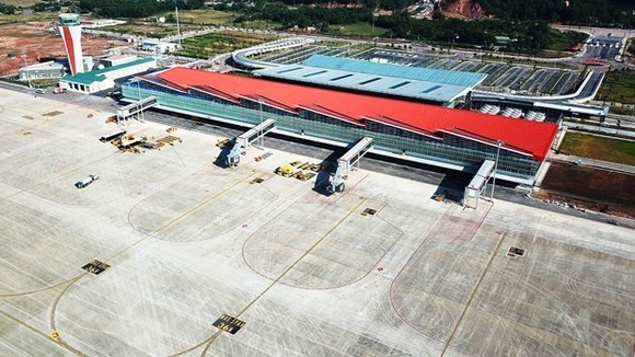 Van Don airport welcomes first flight from Republic of Korea