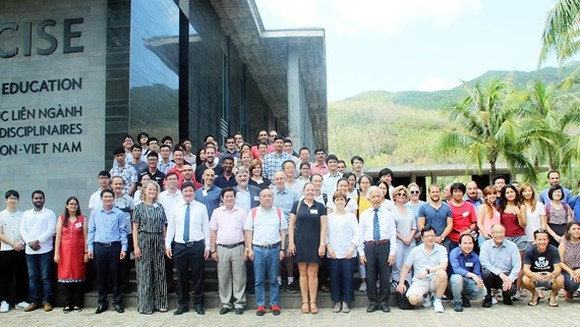 Scientific seminar on Neutrino brings chances to Vietnamese physicists