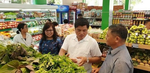 At a Co.op Food franchisee in HCM City. Vietnam offers huge opportunities for convenience store franchisers. — Photo courtesy of Saigon Co.op