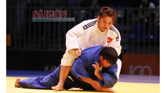 Tran Thi Nhu Y wins gold medal in the women's 78 kilogram weight class Judo