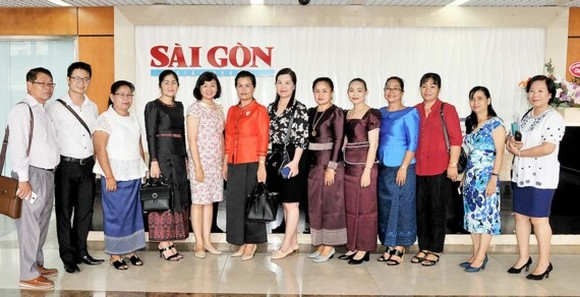 Cambodian journalist delegation visits Saigon Giai Phong Newsppaer headquarters