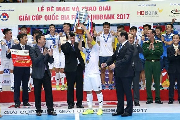 Thai Son Nam protects championship in National Futsal Cup 2017