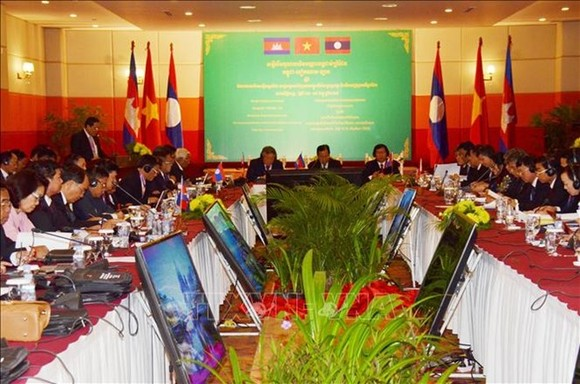At the fifth conference of border provinces' courts of Vietnam, Laos and Cambodia (Photo: VNA)