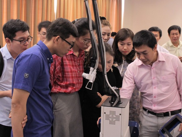 Many Vietnamese expatriates decide to come  back to their homeland to start up