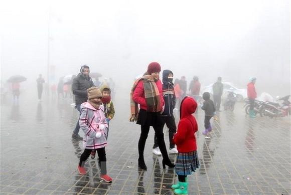 Tourists in Sa Pa, Lao Cai (Source: VNA)