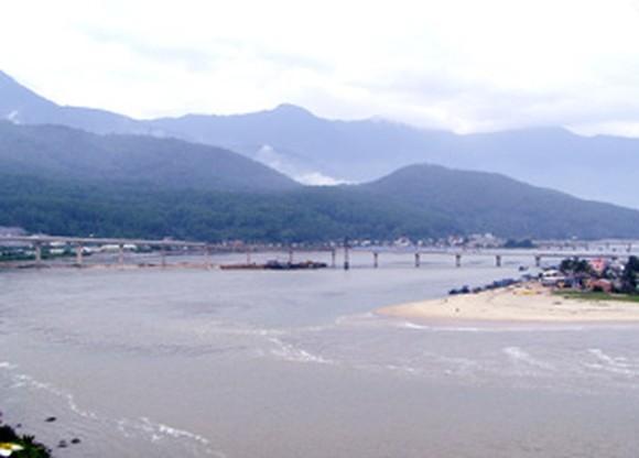 A part of Lang Co Bay seen from Hai Van Pass