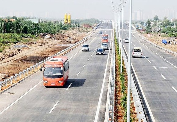 Domestic, foreign investors keen on North-South expressway project