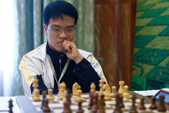 Vietnamese Grandmaster Le Quang Liem triumphs in the standard chess category of the 2019 Asian Continental Chess Championship. (Photo: VNA)