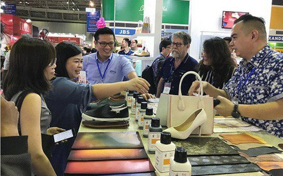 Vietnam's leather and footwear products were on display at the 21st International Leather and Shoes Exhibition in HCM City (Photo: baochinhphu.vn)