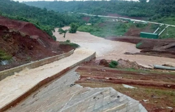 Dak Nong province faces imminent risk of the hydropower dam collapse.