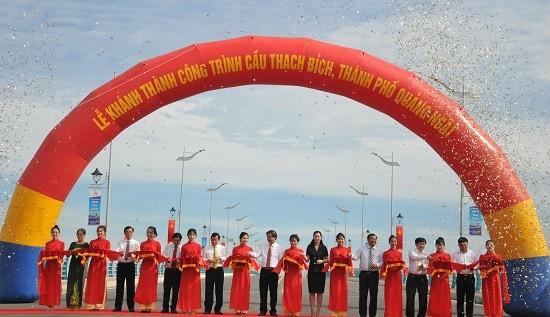 Khánh thành cầu Thạch Bích bắc qua sông Trà Khúc, Quảng Ngãi ảnh 1