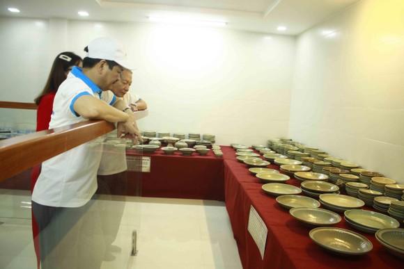 Đoàn chuyên gia tìm hiểu về văn hóa Sa Huỳnh và tàu đắm cổ Việt Nam tại Quảng Ngãi ảnh 2