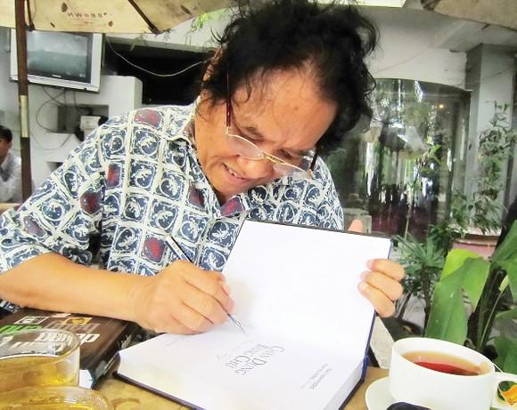 """Nhà báo Trần Thanh Phương: Nửa thế kỷ góp nhặt """"bụi vàng"""" ảnh 1"""