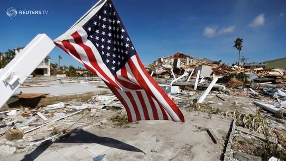 Quân đội Mỹ khẩn trương tìm kiếm người sống sót sau khi bão Michael quét qua Florida ảnh 5