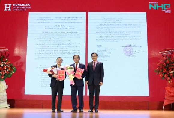 PGS-TS Hồ Thanh Phong giữ chức Hiệu trưởng Trường ĐH Quốc tế Hồng Bàng ảnh 1