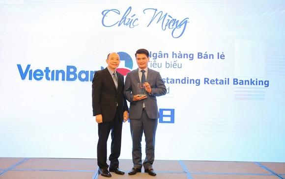 VietinBank nhận cú đúp giải thưởng bán lẻ năm 2018 ảnh 1
