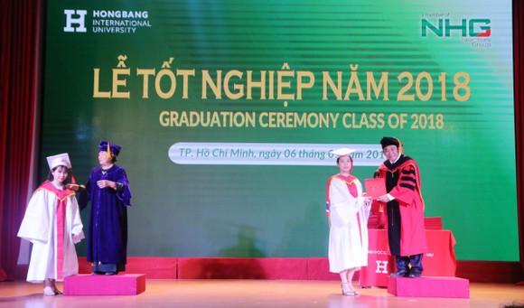 1.191 tân thạc sĩ, cử nhân tốt nghiệp ĐH Quốc tế Hồng Bàng  ảnh 1