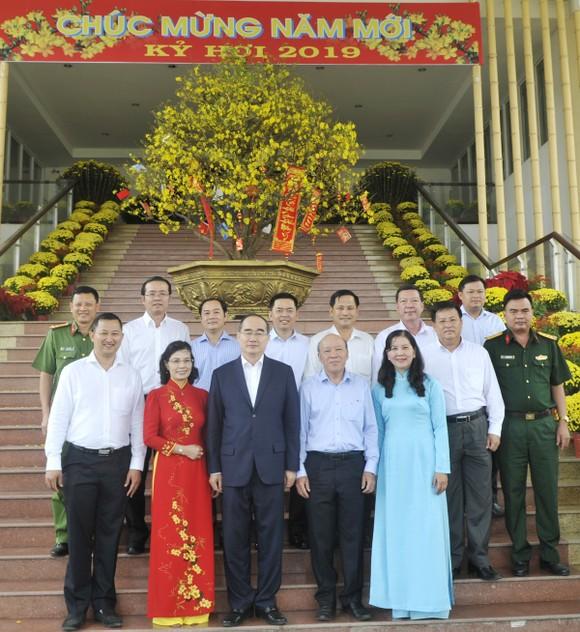 Bí thư Thành ủy TPHCM Nguyễn Thiện Nhân: Thu nhập tăng thêm phải gắn với hiệu quả làm việc ảnh 4