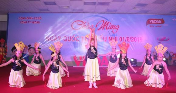 Các tiết mục văn nghệ sôi nổi của con em CB - CNV Vedan Việt Nam.