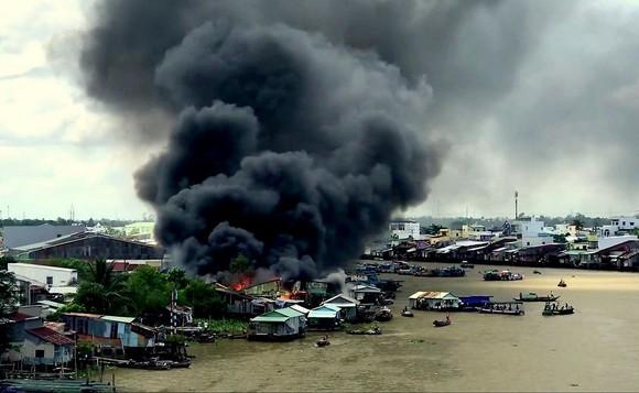 丐凌水上市集河畔區火警現場。(圖源:俊光)