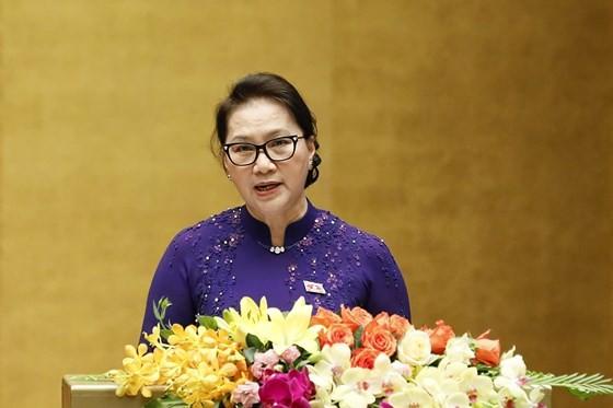 國會主席阮氏金銀在會議上致開幕詞。(圖源:玉勝)