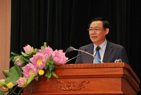 政府副總理王廷惠出席研討會並發表演講。(圖源:M. Thúy)
