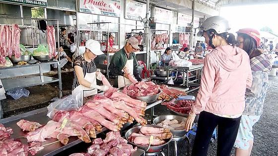福門集散市場經營的豬肉得到嚴密監控。