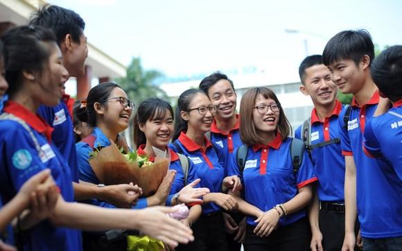 志願大學生已為高考接力活動作好準備。