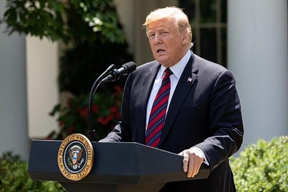 美國總統特朗普表示,下週起將開始大規模驅逐非法移民出境。(圖源:SIPA)