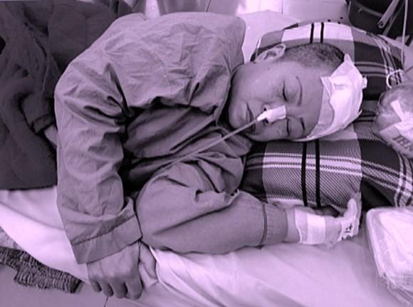 黃小玲入院至今有半個月,但仍昏迷不醒。