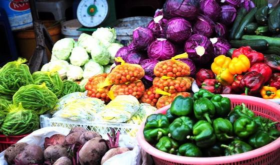 林同省大勒市最近遭受大雨影響室外的種植蔬菜面積受到嚴重損失,故蔬菜價格大幅調升。(示意圖源:互聯網)