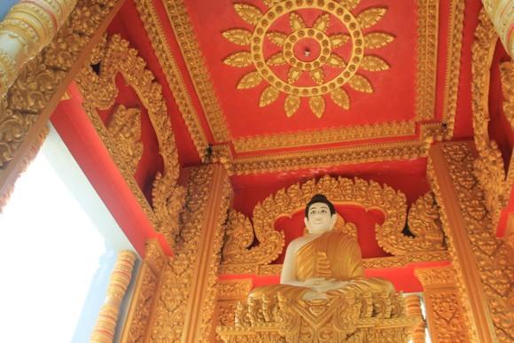Ngôi chùa thu hút đông đảo giới trẻ miền Tây kéo đến check-in ảnh 7