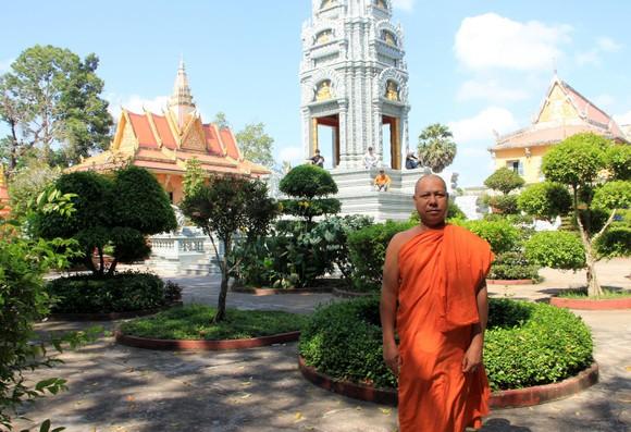 Ngôi chùa thu hút đông đảo giới trẻ miền Tây kéo đến check-in ảnh 10