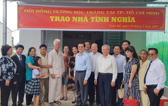 Nguyên Chủ tịch nước Trương Tấn Sang trao nhà chính sách tại Sóc Trăng ảnh 1